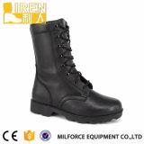 Черноты неподдельной кожи высокого качества ботинок боя армии прочной воинский