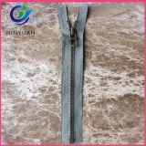 Farbige Nylonreißverschlüsse Großhandels durch Zipper Manufacturer