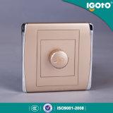 Régulateur d'éclairage léger automatique 220V du régulateur d'éclairage DEL de plot de régulateur d'éclairage BRITANNIQUE de Zigbee