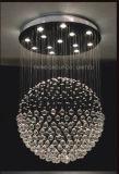 결정을%s 가진 아름다운 실내 천장 램프
