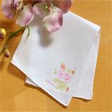 中国の結婚式の白いギフトの刺繍のハンカチーフ