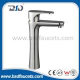 Faucet смесителя тазика Polished латунной шеи тазика ванной комнаты высокой выдвинутый