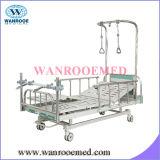 二重アーム整形外科の牽引のベッド