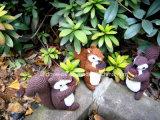 Lavorare a mano la bambola del giocattolo dello scoiattolo farcita Amigurumi della peluche del Crochet