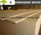 Tableau de MDF de taille standard avec 1220X2440mm de China Factory