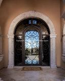 最新のデザイン細工した単一の表玄関の内部の前部出入口