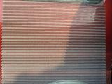 주름을 잡은 철회 가능한 Windows 곤충 스크린