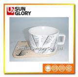 Bd019の木のコースターが付いている無光沢の艶をかけられたコーヒーカップ