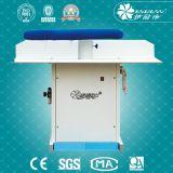Absaugung-einziehbarer Wäscherei-Tisch-Multifunktionsdampf-bügelnder Vorstand