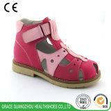Zapatos ortopédicos TPR Outsole de los niños ortos de la tolerancia