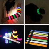 2015 i migliori braccialetti di vendita di schiaffo dei bracciali LED dello schiocco di sicurezza di sport