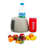 Um pode/refrigerador Thermoelectric DC12V ou 5V do frasco para refrigerar e aquecer-se
