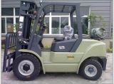 Un 7.0t Diesel Forklift with Original Isuzu Engine