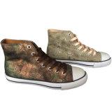OEM/ODMの靴製造業者の人か女性のカスタム足首の上の平らなブラウンのスニーカー