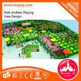 Laberinto de interior del patio de la fortaleza traviesa de los niños para la venta