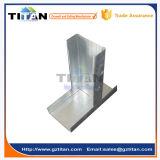 Perfil de acero ligero del metal del yeso que enmarca en los canales de acero