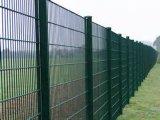 Aktueller Plastiküberzug-Anti-Steigender Maschendraht-Zaun