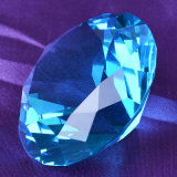 Diamant en cristal en verre décoratif bleu de saphir grand pour des ornements