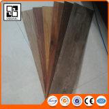Plancher de tuile de vinyle gravé en relief par planche de luxe de vinyle