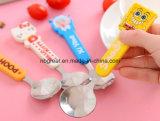 Шарж регулирует ложку десерта мороженного/ложку нержавеющей стали