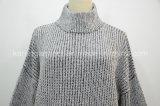 タートル・ネック粗かったニットの緩く混合物のプルオーバーのセーター