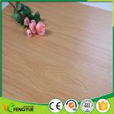 Plancher d'intérieur de PVC d'utilisation du bois de modèle de qualité pour le certificat de la CE