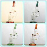 A tubulação de água de fumo de vidro do microscópio diferente da cor com bebedoiro automático de Rocket