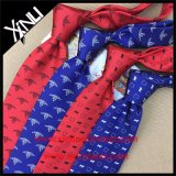ハンドメイドの絹の習慣によって編まれる細いタイの人