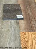 Cliquetis multi de vinyle de protection de l'environnement de couleur parquetant le bois européen de type