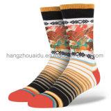 方法レトロの木靴様式の人の服の綿のソックス