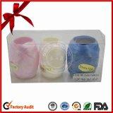 Подарок рождества упаковывая поли завивая яичко тесемки