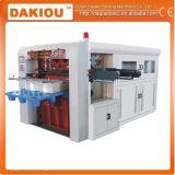 Stempelschneidene Papiermaschine enthalten das Falten und die Prägung
