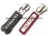 Branded NameのBraceletsのためのカスタムRubber Puller Metal Slider
