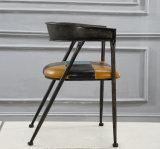 方法デザイン純木の喫茶店の椅子