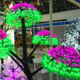 Het LEIDENE Koord steekt de Decoratie van de Tuin van de Lichten van de Boom aan