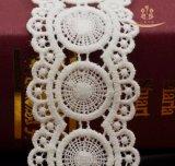 Il merletto del ricamo della Rosa della maglia lavorato a maglia filo di ordito di buona qualità assetta il tessuto di Ployester
