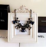 方法型のダイヤモンドの水晶中心の吊り下げ式のチョークバルブのネックレスの宝石類