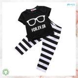 Vêtements unisexes de bébé de taille d'usure faite sur commande de bébé réglés