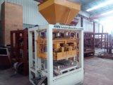 Máquina concreta del ladrillo de la máquina/de la pavimentadora del bloque del precio Qt4-24b Houdis de la India