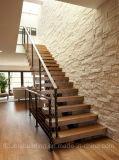 Escalera antirresbaladiza de madera del chalet del larguero del acero de carbón de las pisadas de escalera