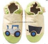 Chaussures inférieures molles en cuir de bébé
