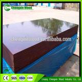 La película fuerte y durable hizo frente a la madera contrachapada con negro/Brown/el color rojo para la construcción