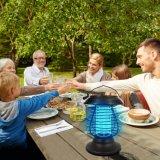 Lumière solaire de jardin s'arrêtant de tueur de moustique