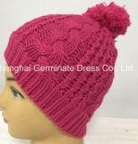Шлем Beanie шлема кабеля способа розовый с Pompom Hjb053