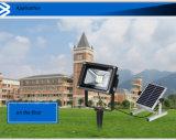 A segurança solar do diodo emissor de luz do alumínio ilumina a luz de inundação do sensor de movimento