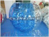 Medio azul y a medias fútbol inflable de la burbuja del claro