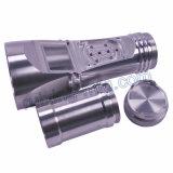 Toorts die de Delen van het Aluminium machinaal bewerken