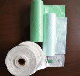 Gestempelschnitten, frischen Plastikrollenbeutel halten