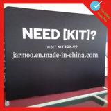Aziende dell'Expo che fanno pubblicità al blocco per grafici della bandiera