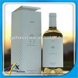 Contenitore di vino rosso, contenitore di carta di vino. Contenitore di vino del cartone